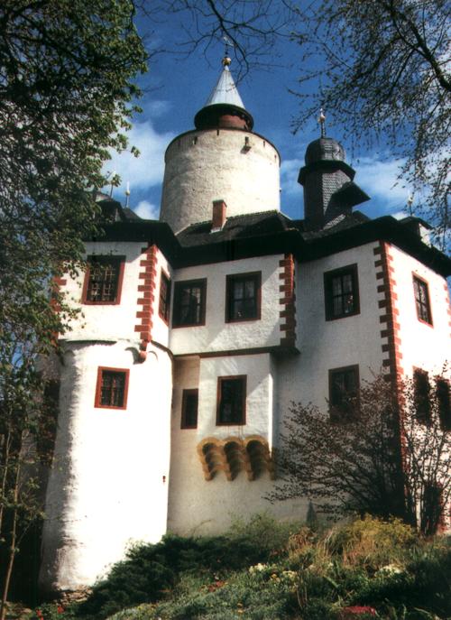 Die Burg Posterstein nach der Restaurierung - Postkarten-Motiv aus den 1990er Jahren