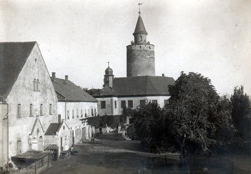 Aus der Geschichte der Burg Posterstein: Ansicht des Ritterguts Posterstein vor 1945 (Fotografie, Museum Burg Posterstein)