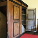 Escalier caché dans la salle de cour du château (Museum Burg Posterstein)