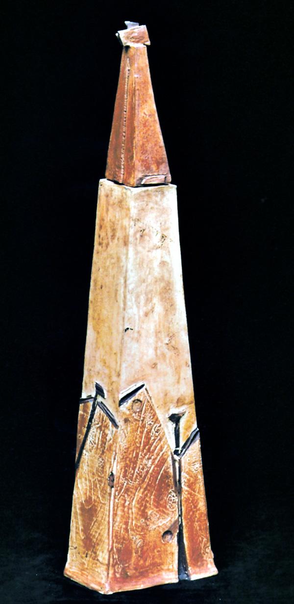 Die Keramikerin Angelika Kühn von Hintzenstern verfügt über einen ganz eigenen künstlerischen Stil.