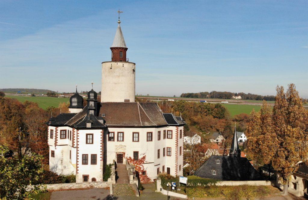 Burg Posterstein aus der Luft