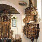 Burgkirche Kanzel-Altar.jpg2