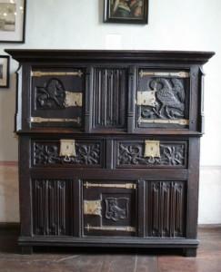 La collection du musée comprend des meubles
