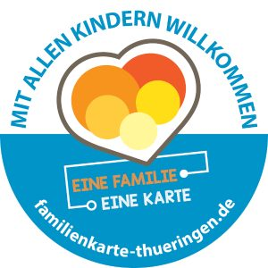 Bei unserer Familienkarte zahlen kinderreiche Familien nicht mehr als andere. Alleinerziehende unterstützen wir mit unserer Mini-Familienkarte.