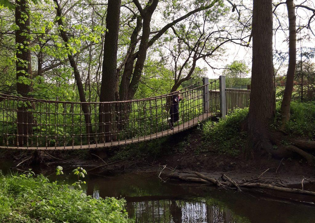 Hängebrücke am Sprotte-Erlebnispfad zwischen Nöbdenitz und Posterstein